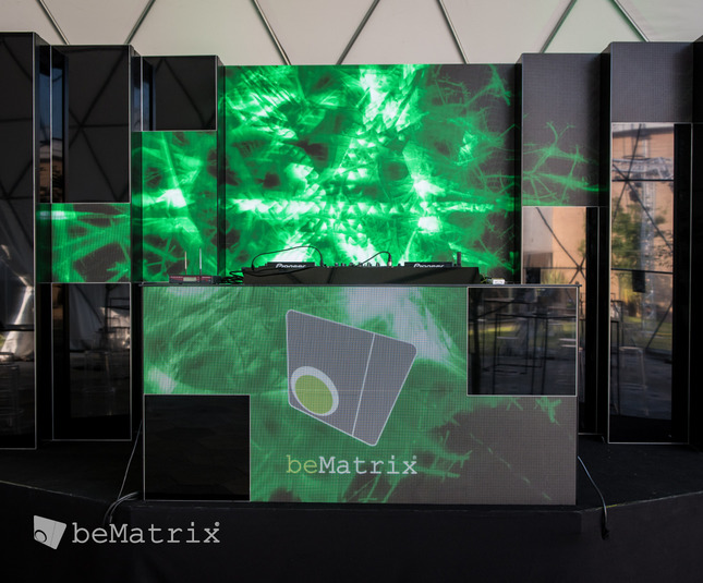 Dynamic DJ booth with LEDskin® - Foto 3