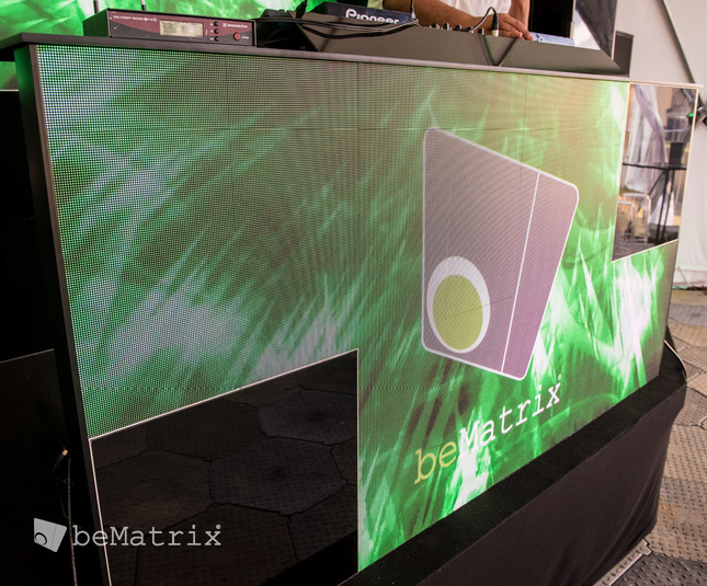 Dynamic DJ booth with LEDskin® - Foto 4