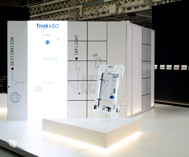 LEDskin® integrated in Samsonite stand @ FTE Dublin - Foto 1